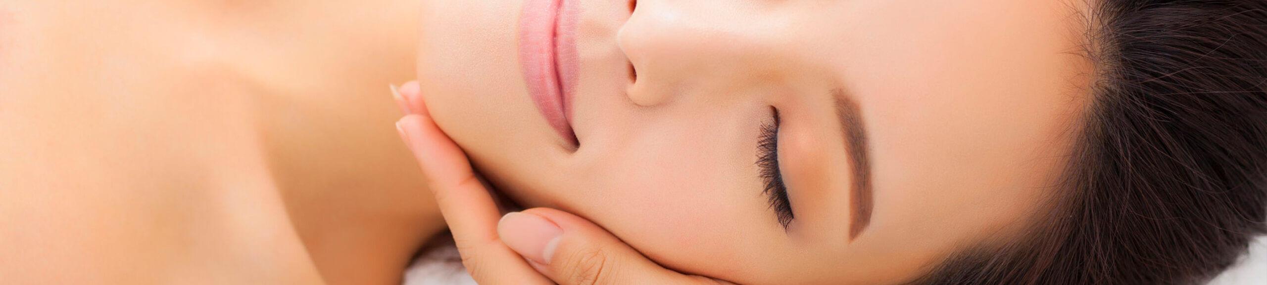 Beautybehandlung und Gesichtsmassage